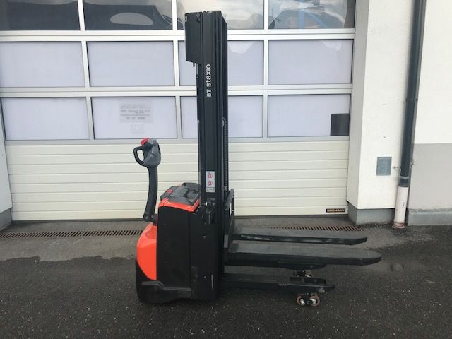 Toyota SWE 120 L High Lift stacker www.staplertechnik.at