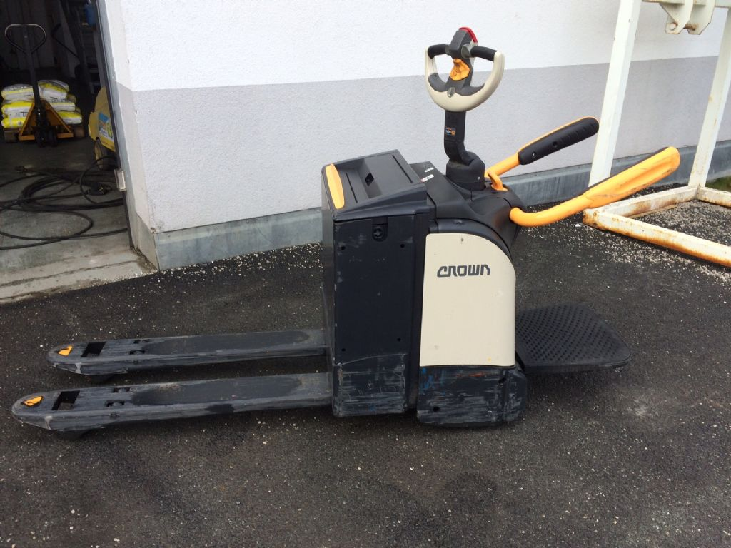 Crown 2.0 WT 3040 Niederhubwagen www.staplertechnik.at
