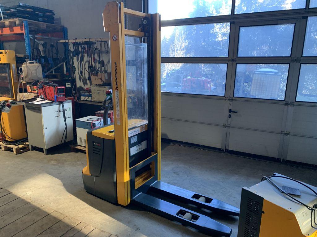 Jungheinrich EJC14 High Lift stacker www.staplertechnik.at