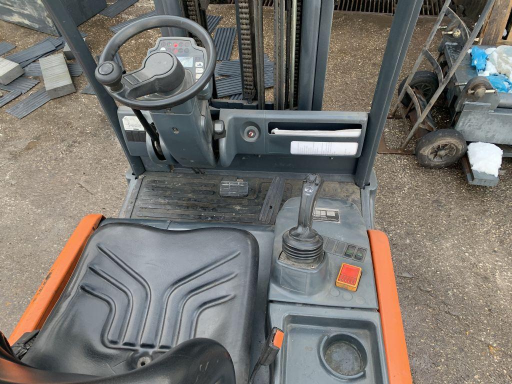 Steinbock Boss-LE20-66-Elektro 3 Rad-Stapler-www.staplertechnik.at
