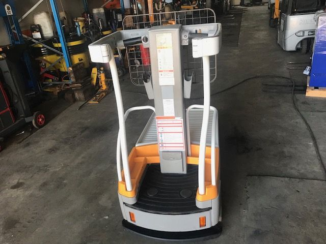 Crown Wave 50-118 High Level Order Picker www.staplertechnik.at