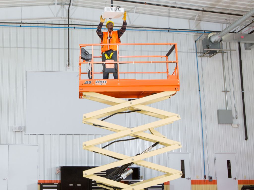 JLG 2646ES Scissor Lifts www.staplertechnik.at