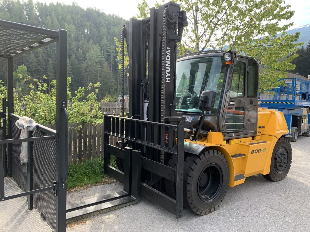 Hyundai 80D-9 Diesel Forklift www.staplertechnik.at