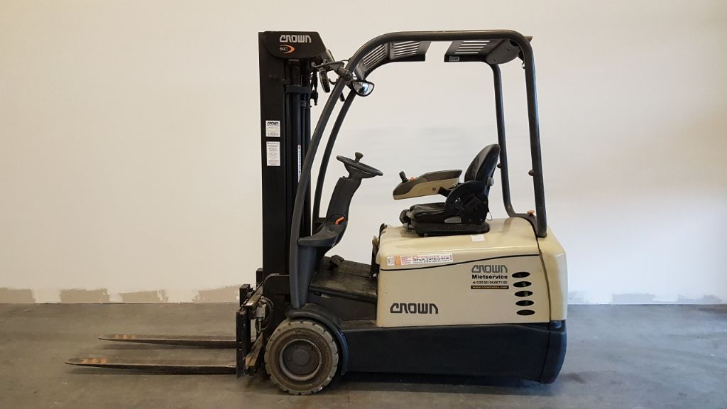 Crown SC 5340-1.6 Electric 3-wheel forklift www.staplertechnik.at