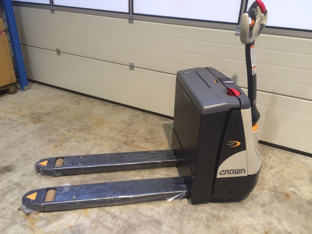 Crown  WP3015 540-1150 Electric Pallet Truck www.staplertechnik.at
