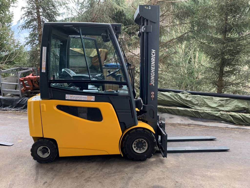 Jungheinrich EFG425k Electric 4-wheel forklift www.staplertechnik.at