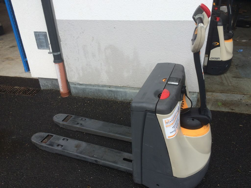 Crown 1.6 WP3015 Electric Pallet Truck www.staplertechnik.at