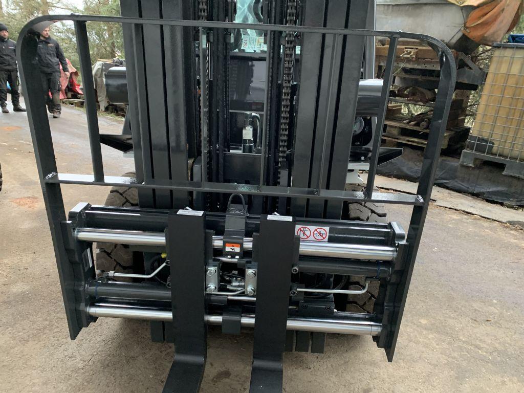 UniCarriers Y1D2A25Q Diesel Forklift www.staplertechnik.at