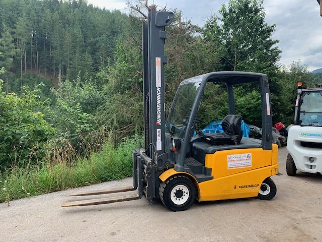 Jungheinrich efg 430 Electric 4-wheel forklift www.staplertechnik.at