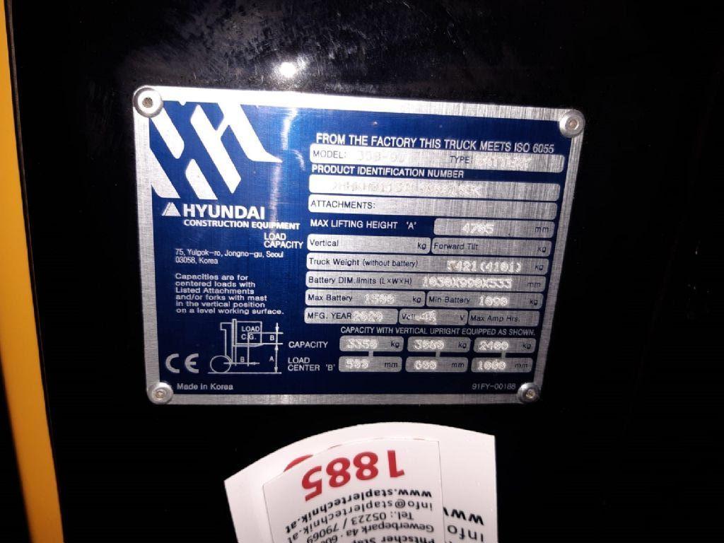 Hyundai 35B-9U Electric 4-wheel forklift www.staplertechnik.at