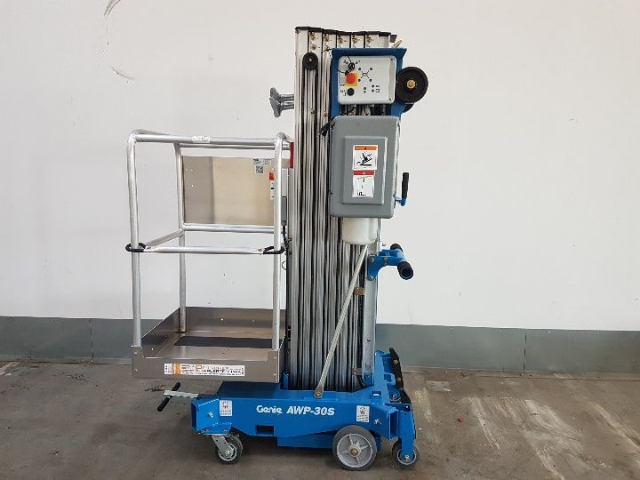 Genie AWP 30S Vertical / Personnel Lifts www.staplertechnik.at