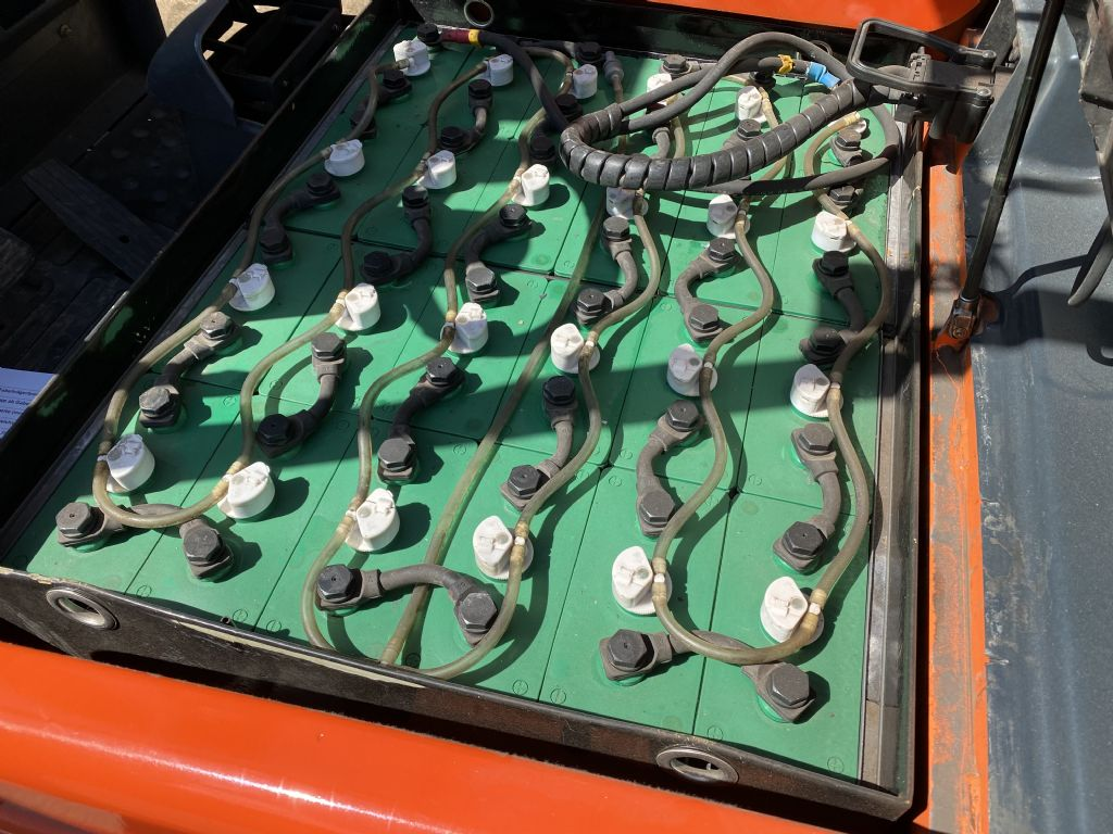 Steinbock-LE16-55-Elektro 3 Rad-Stapler-www.staplertechnik.at