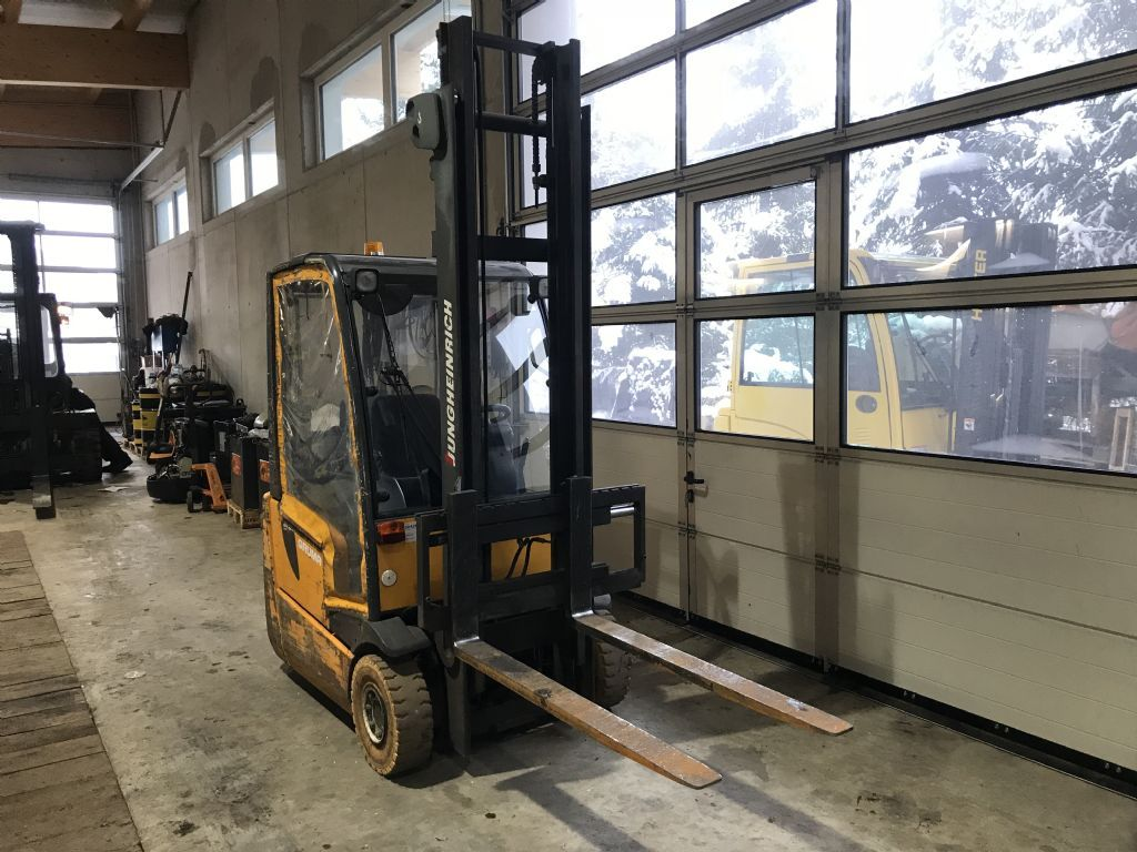 Jungheinrich EFG DFac 15 Electric 3-wheel forklift www.staplertechnik.at
