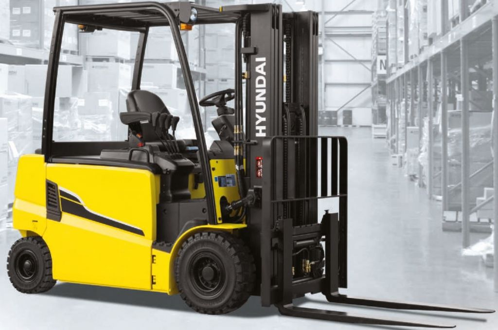 Hyundai 25BH-9 Electric 4-wheel forklift www.staplertechnik.at