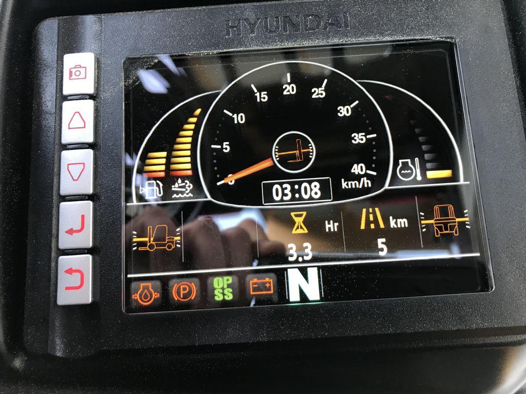 Hyundai-50DA-9-Dieselstapler-www.staplertechnik.at