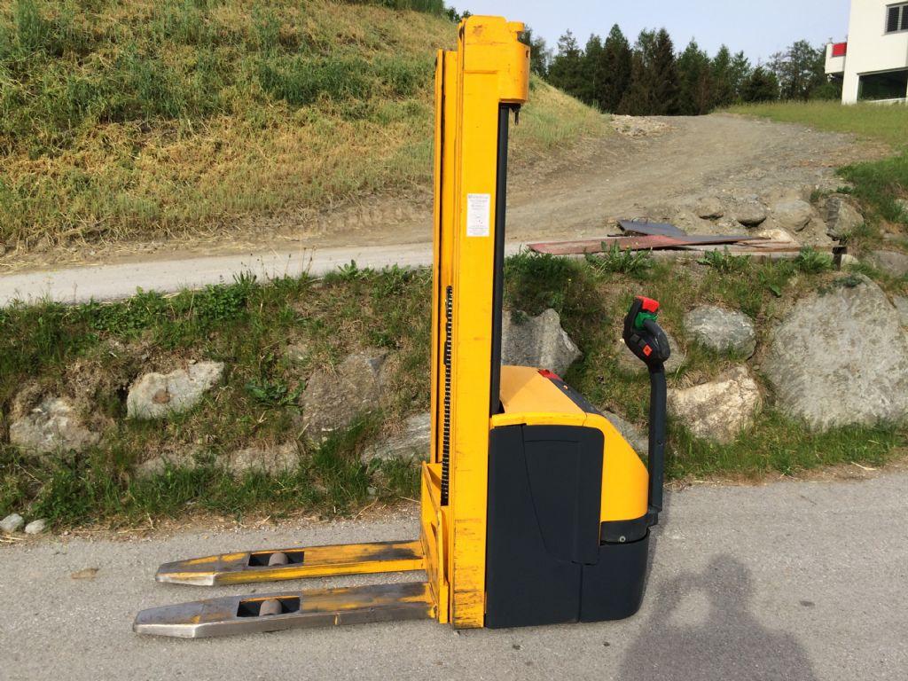 Jungheinrich-EJC 214-Hochhubwagen-www.staplertechnik.at