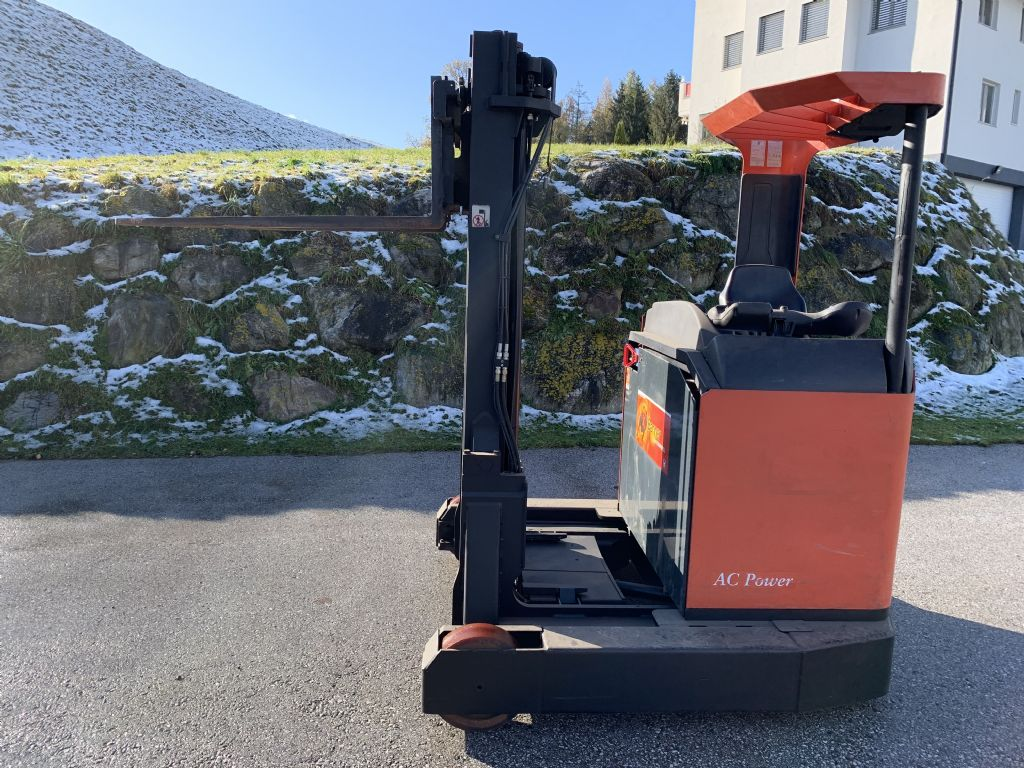 BT RR B6/15 Reach Truck www.staplertechnik.at