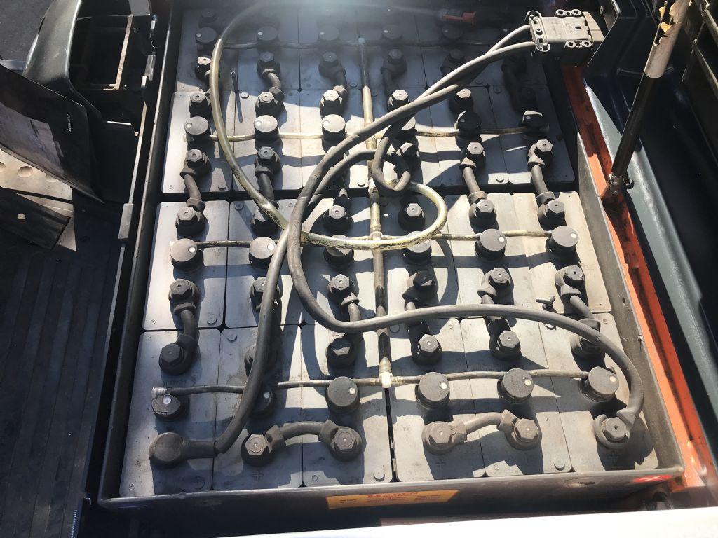 Steinbock-KE18-Elektro 4 Rad-Stapler-www.staplertechnik.at