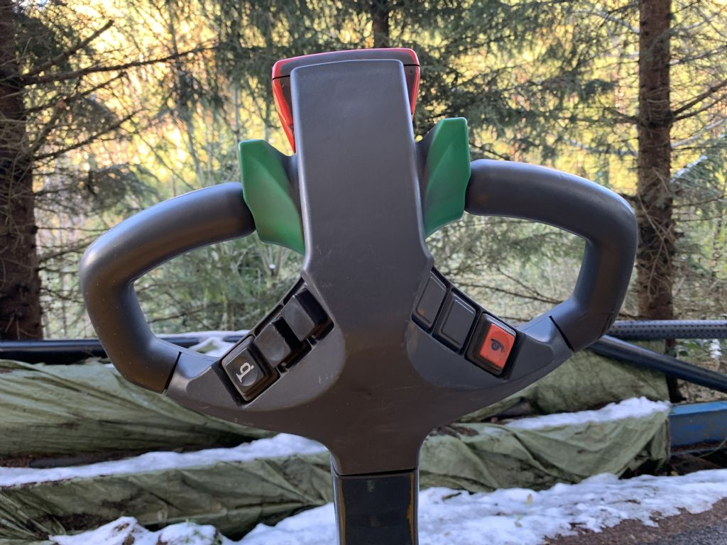 Jungheinrich-EJC14-Hochhubwagen-www.staplertechnik.at