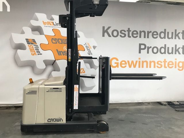 Crown-LP3020-Hochhubkommissionierer-www.staplertechnik.at