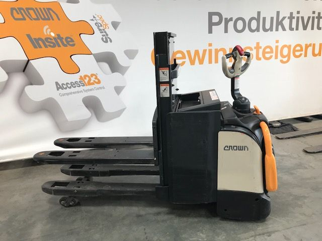 Crown-2.0 DT3040 TF-Hochhubwagen-www.staplertechnik.at
