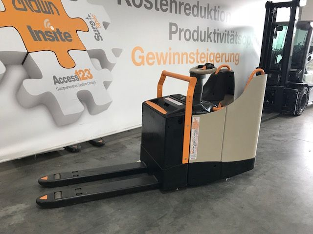 Crown-WT 3040-Niederhubwagen-www.staplertechnik.at