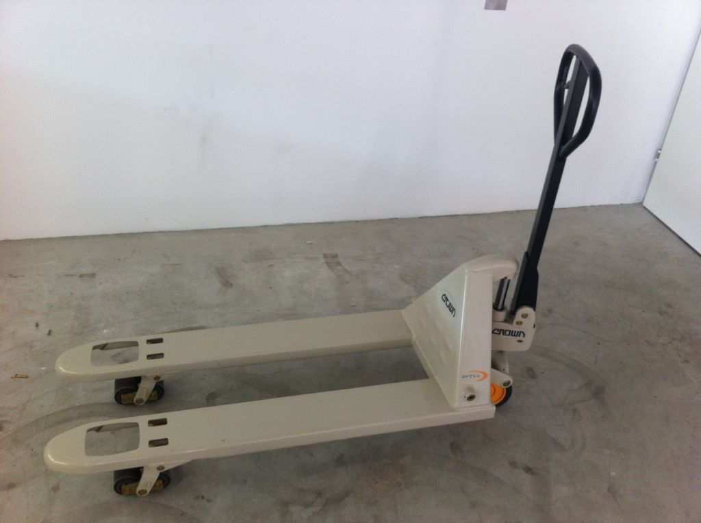 Crown PTH 20-32 Hand Pallet Truck www.staplertechnik.at
