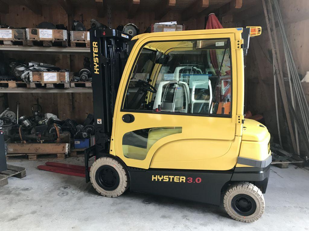 Hyster-J3.0XN-Elektro 4 Rad-Stapler-www.staplertechnik.at