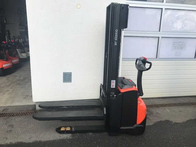 Toyota SWE 120 High Lift stacker www.staplertechnik.at