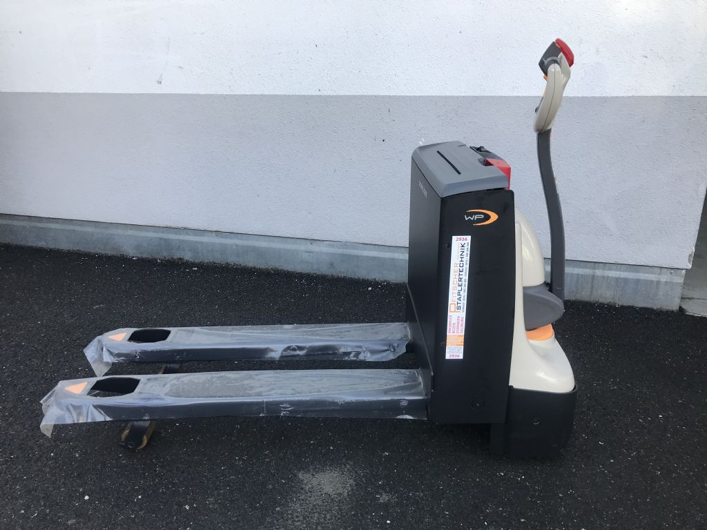 Crown WP 3010 1.6 Electric Pallet Truck www.staplertechnik.at