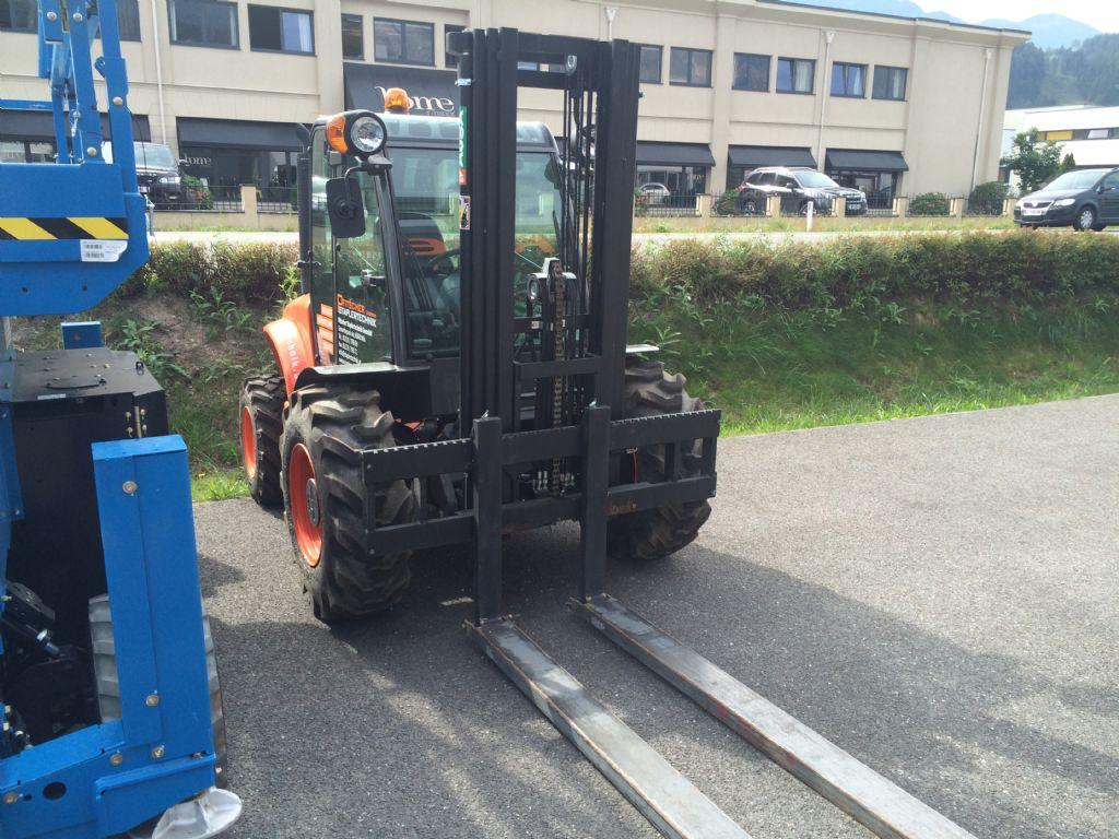 Ausa-C250 H X4-Geländestapler-www.staplertechnik.at