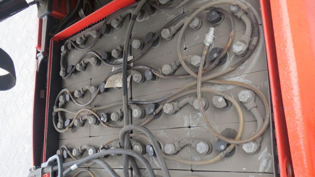 Gebrauchtstapler-Linde-E16-01-Elektro 3 Rad-Stapler-www.rf-stapler.de