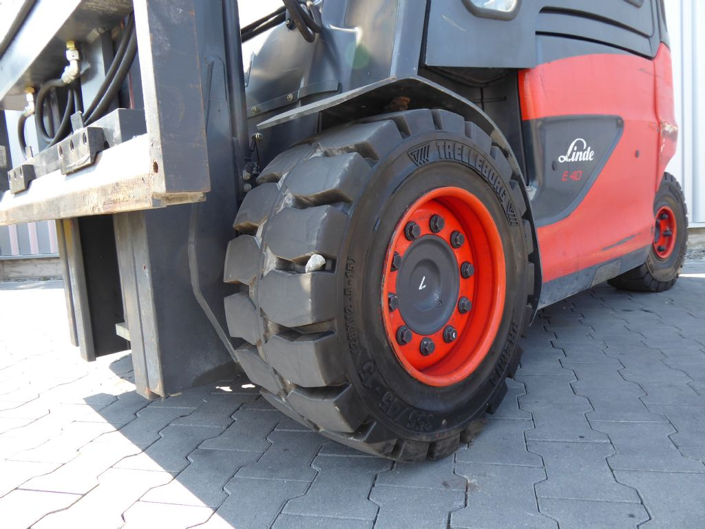 Linde-E40H-01/600-Elektro 4 Rad-Stapler-www.rf-stapler.de