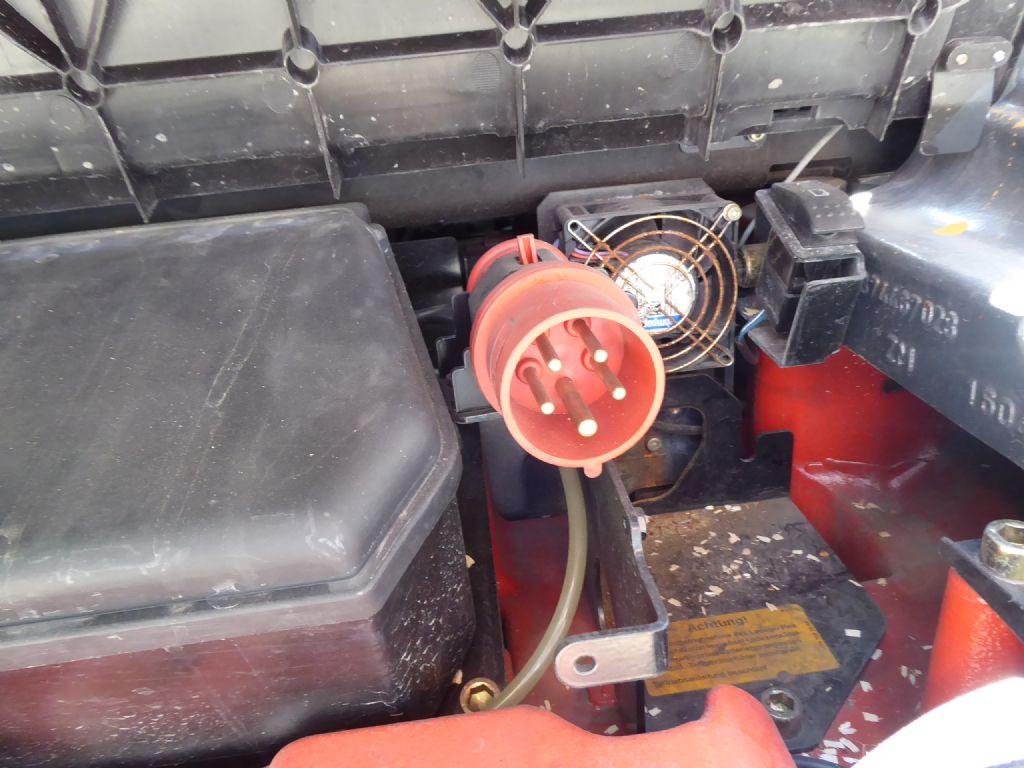 Gebrauchtstapler-Linde-E35RL-01-Elektro 4 Rad-Stapler-www.rf-stapler.de