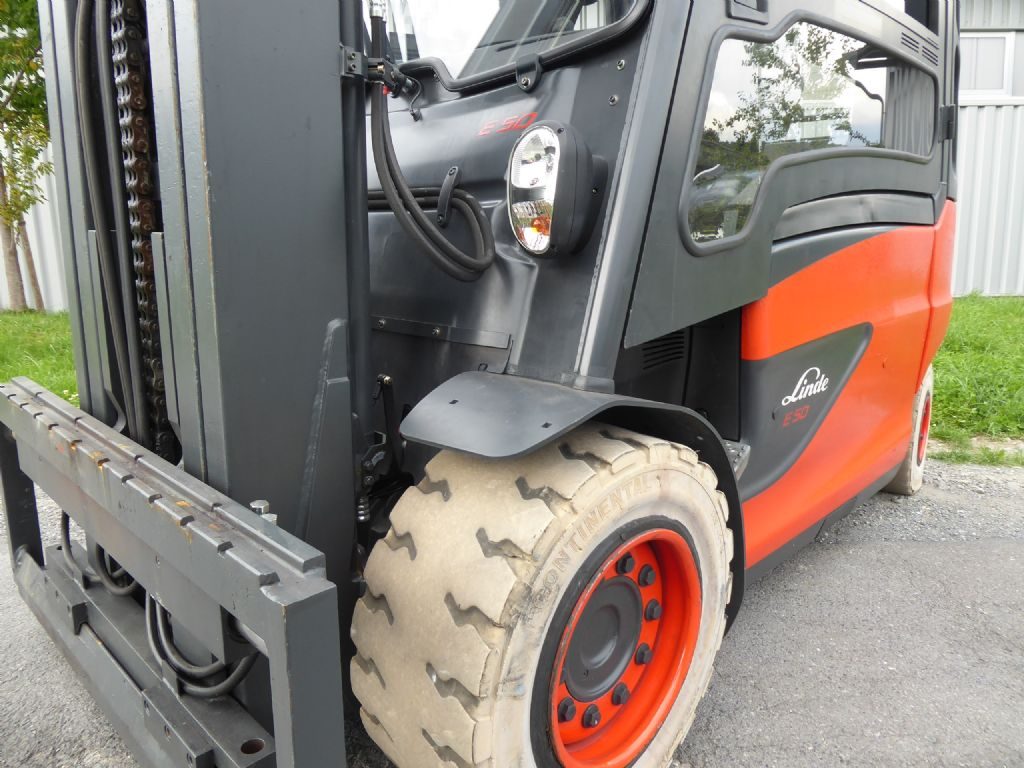 Linde-E50HL-01-Elektro 4 Rad-Stapler-www.rf-stapler.de