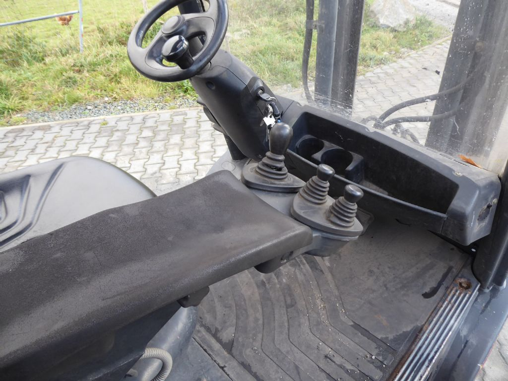Gebrauchtstapler-Linde-H35D-Dieselstapler-www.rf-stapler.de