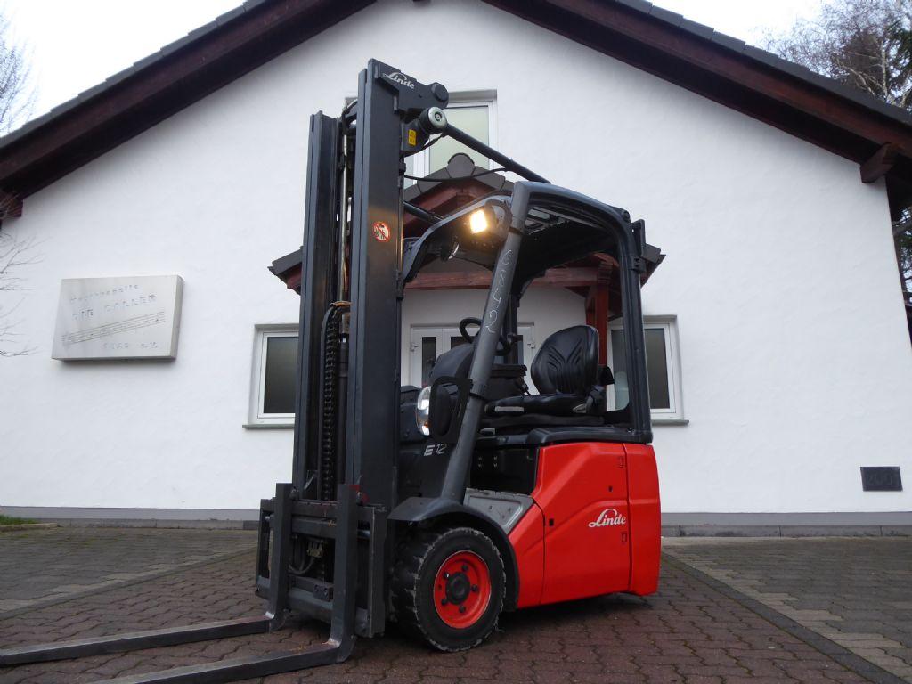 Linde-E12-01-Electric 3-wheel forklift-www.rf-stapler.de