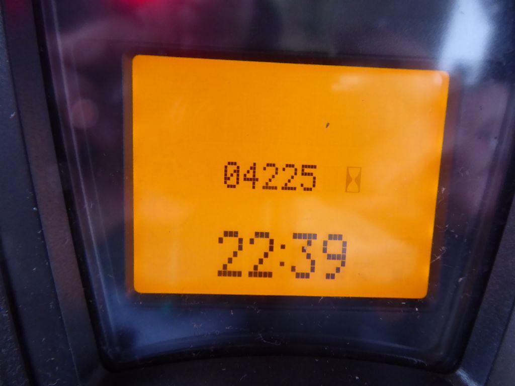 Gebrauchtstapler-Linde-E12-01-Elektro 3 Rad-Stapler-www.rf-stapler.de