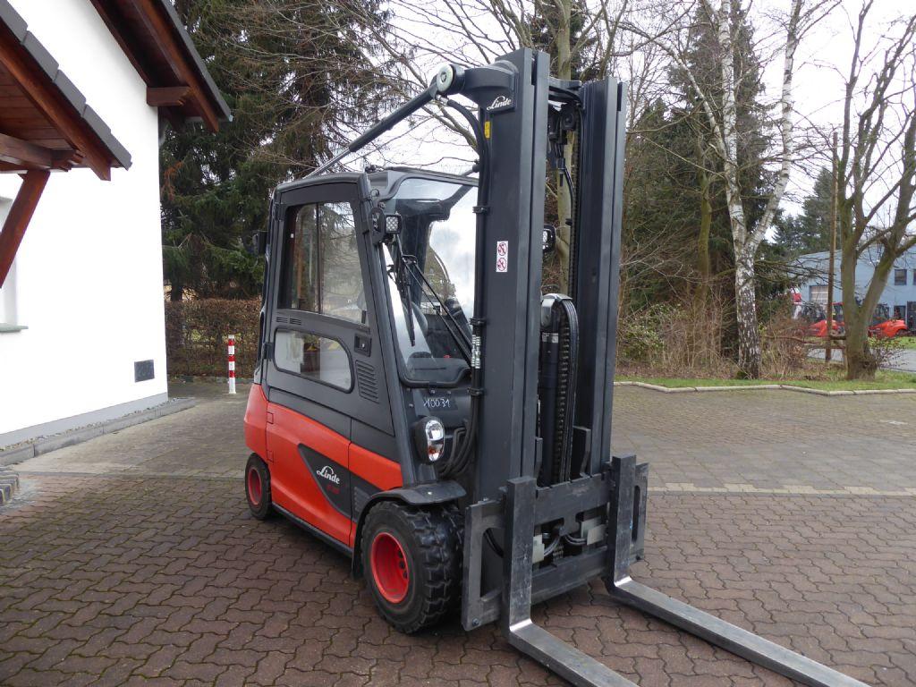 Linde-E35L-01-Elektro 4 Rad-Stapler-www.rf-stapler.de