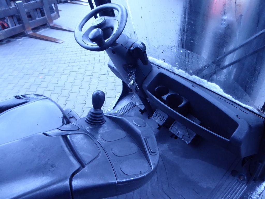 Gebrauchtstapler-Linde-H25D-02-Dieselstapler-www.rf-stapler.de