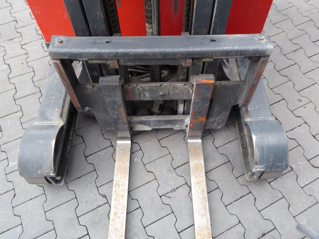 Gebrauchtstapler-Linde-R14S-12-Schubmaststapler-www.rf-stapler.de