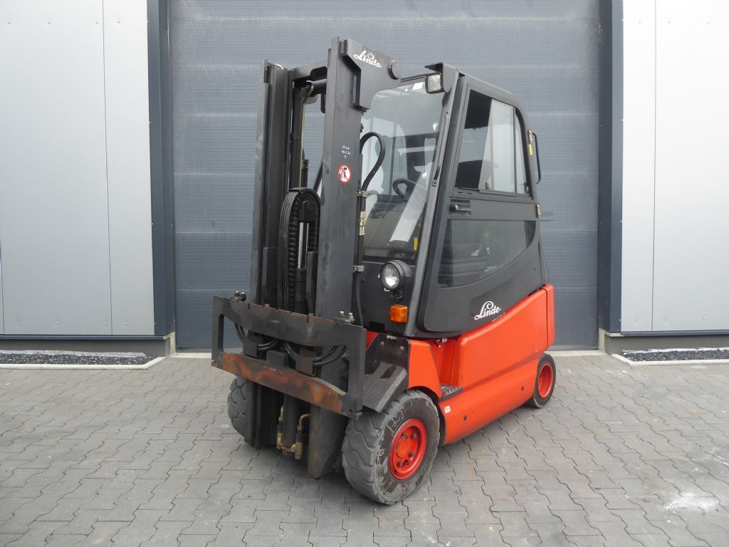 Linde-E25/600-03-Elektro 4 Rad-Stapler-www.rf-stapler.de