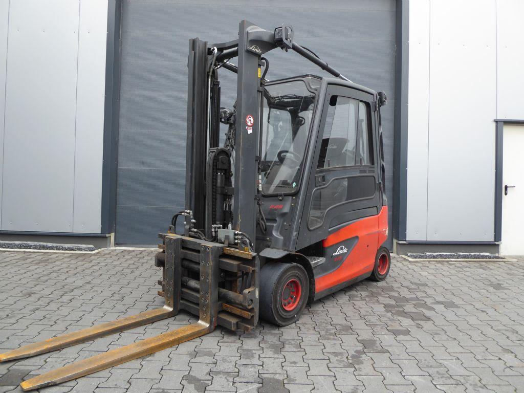 Linde-E25-01-Elektro 4 Rad-Stapler-www.rf-stapler.de