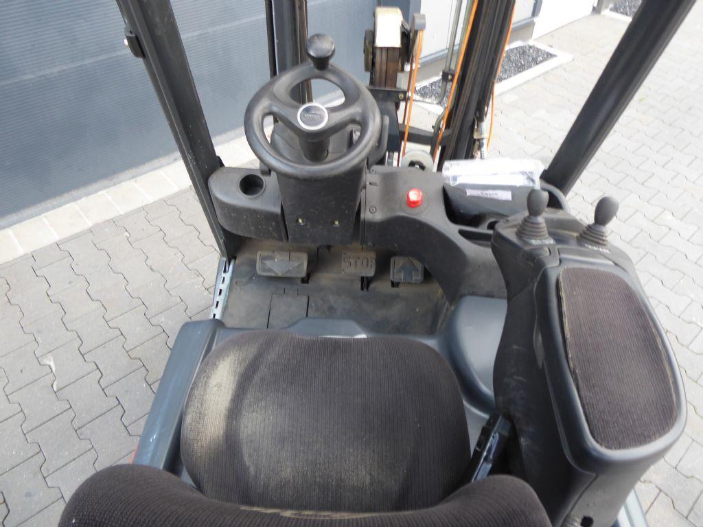 Mietstapler-Linde-E16-02-Elektro 3 Rad-Stapler-www.rf-stapler.de