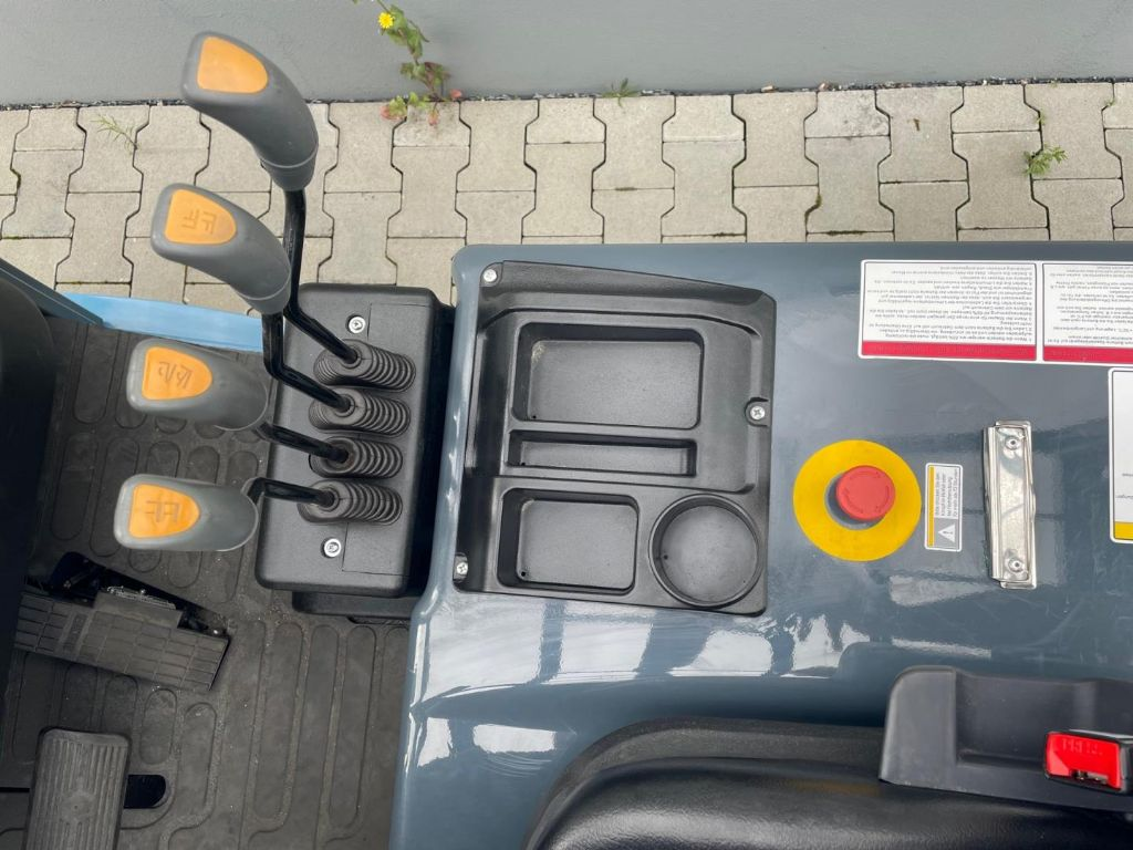 Heli CPD25-GB2LI Elektro 4 Rad-Stapler www.roos-gabelstapler.de