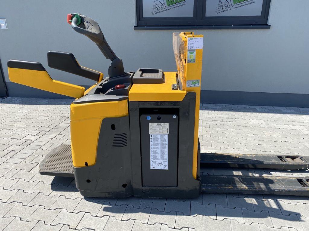 Jungheinrich ERD 220 Doppelstockstapler www.roos-gabelstapler.de
