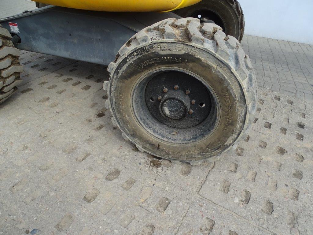 Haulotte-HA16PXNT-Geländestapler-www.sago-online.com