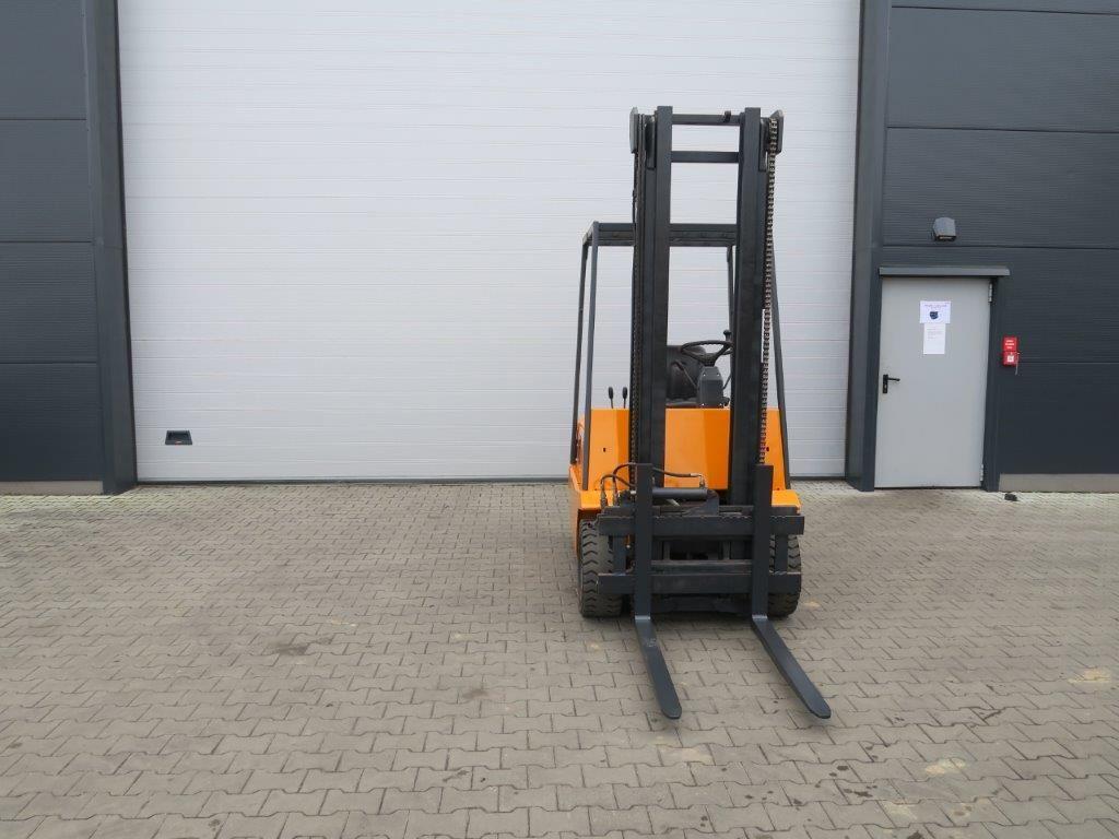 Still-R60-25-Elektro 4 Rad-Stapler-www.sago-online.com