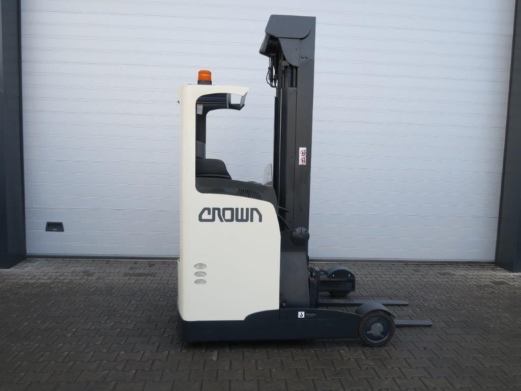 Crown-ESR 4016-OPT 2 - TRIPLEX-Schubmaststapler-www.sago-online.com
