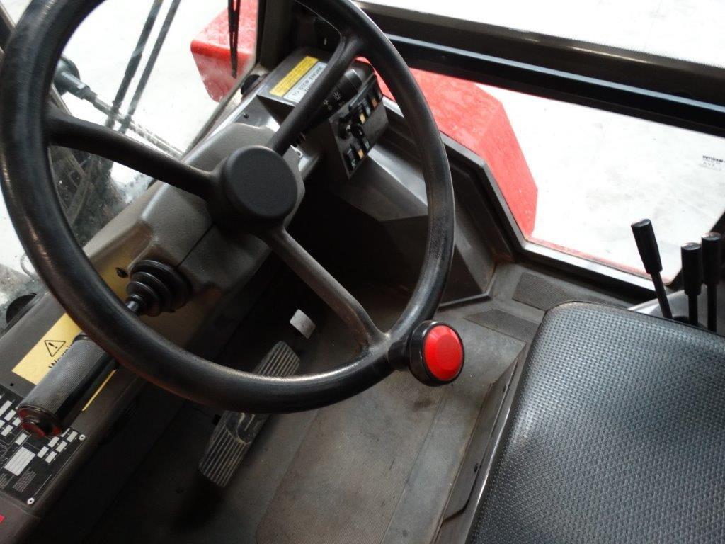 Manitou-M26-4T-Geländestapler-www.sago-online.com